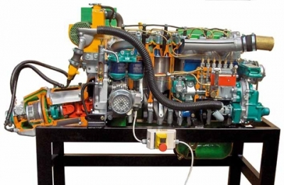 Marine Engines Cutaway for Automotive Lab